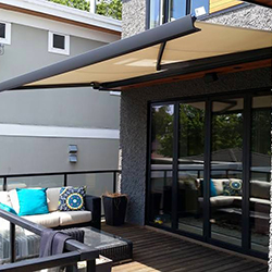 Full Consultation on Retractable Awnings, Deck Covers & More