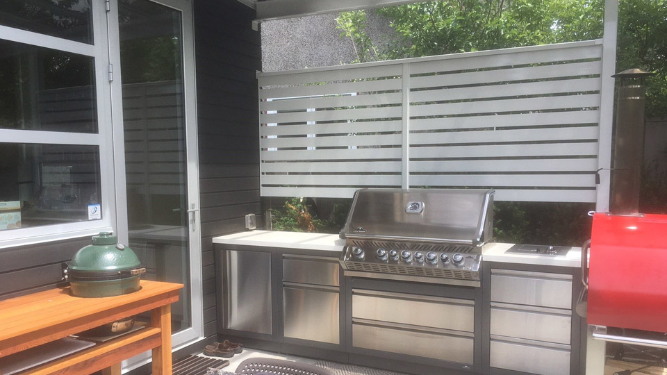 Custom Grey Aluminum BBQ Cover with Glass Roof